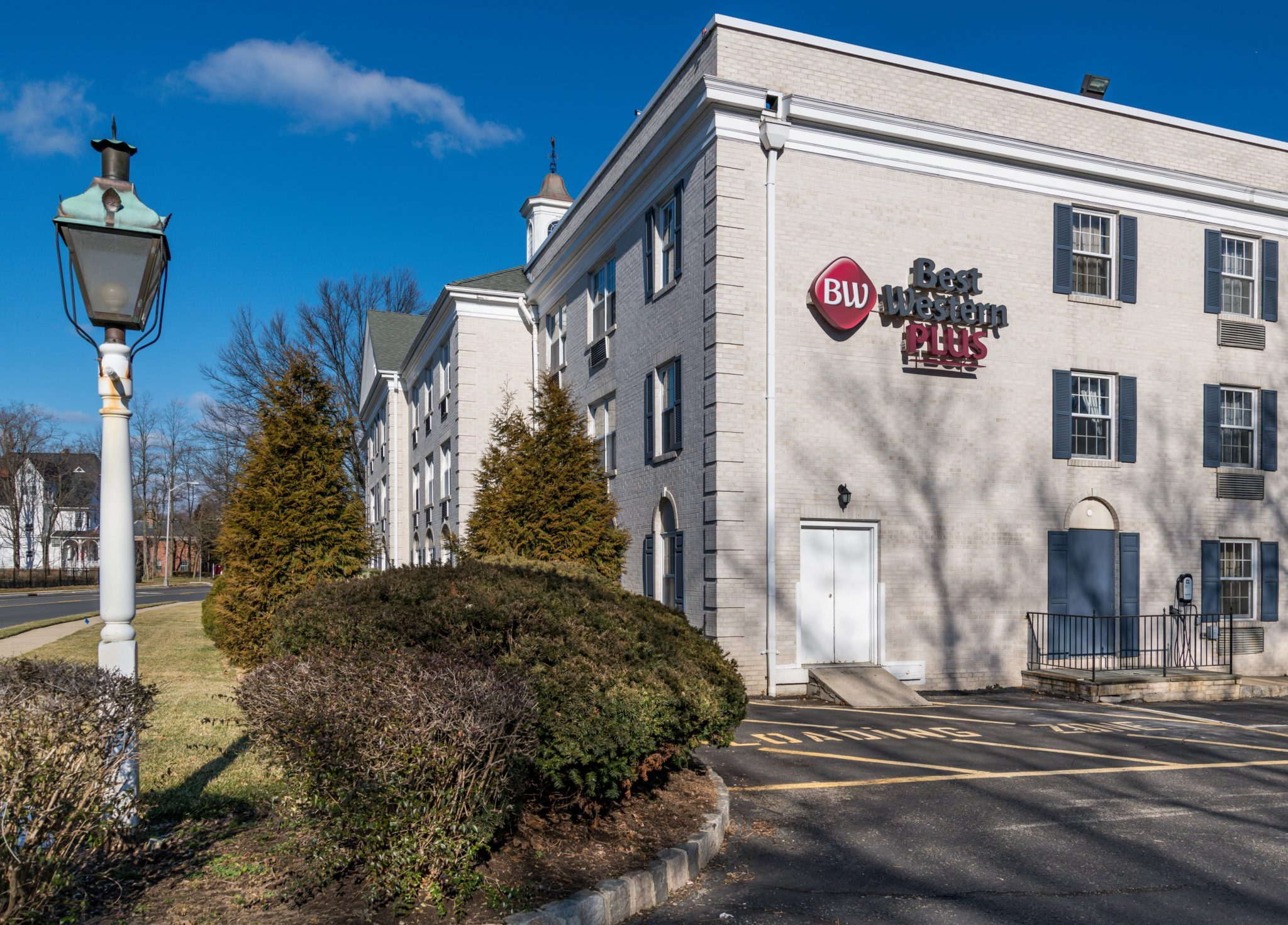 Front exterior view of Best Western hotel in Morristown