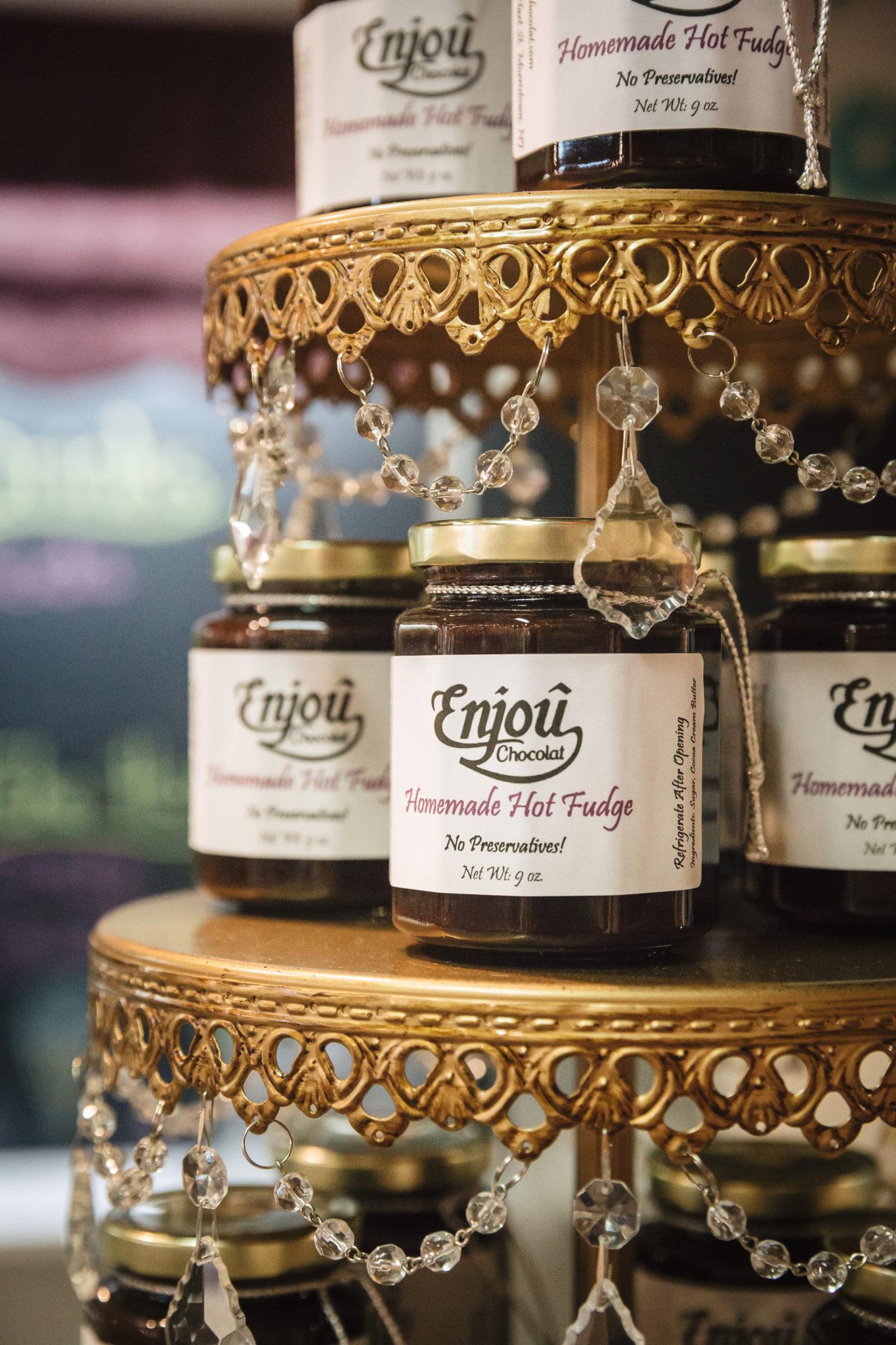 jars of hot fudge from Enjou chocolat