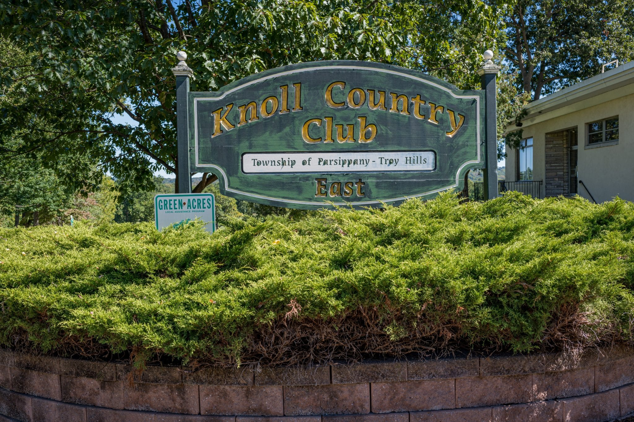 Knoll Country Club sign