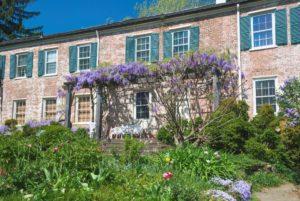 Macculoh Hall garden